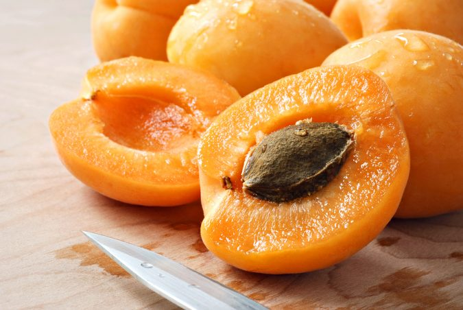 Apricot Seeds Health Benefits: Cosmetics or Cancer Killer?